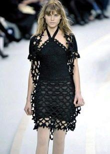 Короткое вязаное платье черное