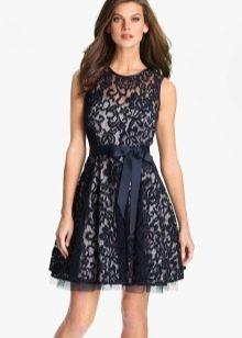 Короткое вязаное платье в стиле нью лук