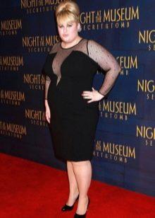 Вечернее Черное средней длины платье для полных