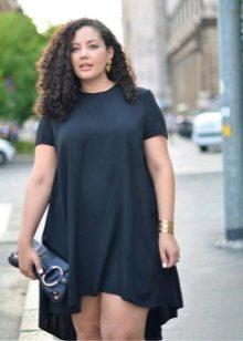 Черное платье-туника с ассиметричной ювкой для полных