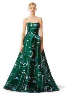 Зеленое пышное платье