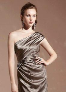 Макияж к коричневому платью