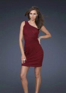 Короткое коричневое платье