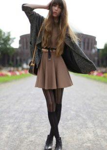 Колготки под коричневое платье