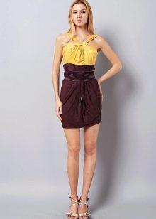 Коричнево-желтое платье