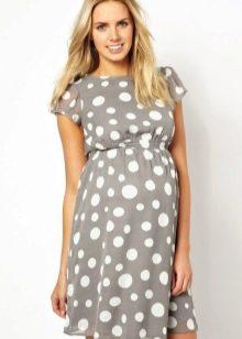 Серое платье в горох для беременных