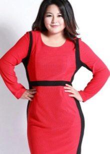 Красное платье с черными вставками для полных женщин