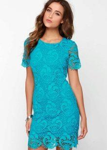 Короткое гипюровое платье цвета морской волны