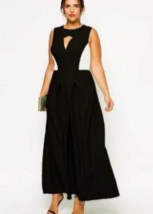 Двухцветное платье для полных черно-белое