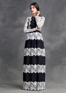 Платье кружевное из горизонтальных полос