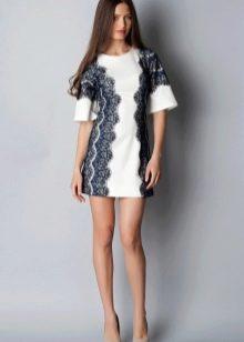 Двухцветное платье трапеция с кружевом