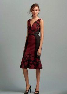 Черное платье с красным принтом