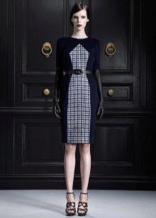 Черное платье со всатвкой