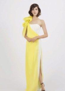 Желтое платье с белой вставкой