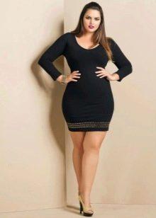 Короткое платье-футляр для полных девушек