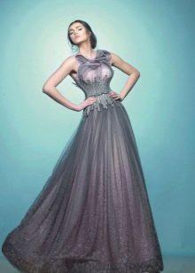 Серое платье из органзы