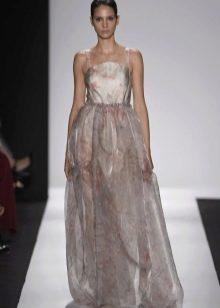 Платье из органзы на бретелях