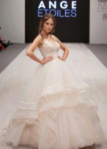 Многоярусное свадебное платье из органзы