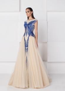 Вечернее платье из органзы с узором