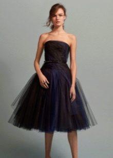 Черное платье из оргназы с синими вставками