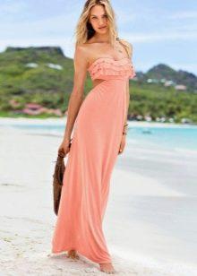 Персиковое платье в пол летнее