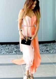 Бело-персиковое платье