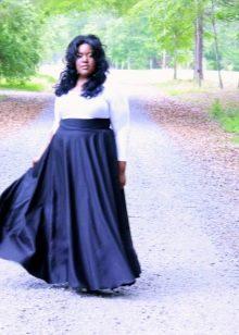 Длинное платье для полных женщин с завышенной талией