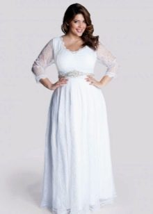 Длинное белое платье с завышенной талией для полных