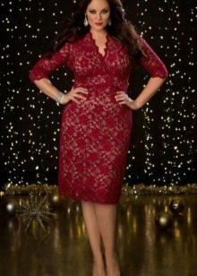 Бордовое платье с завышенной талией для полных