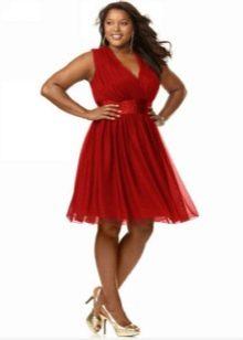 Платье красное с завышенной талией для полных