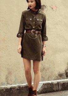 Короткое платье сафари болотного цвета