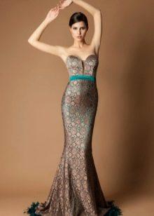 Шоколадное платье с бирюзовыми акцентами