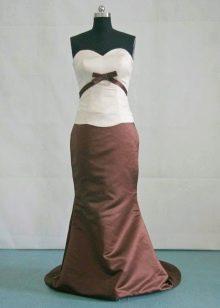 Платье шоколадного цвета с белым топом