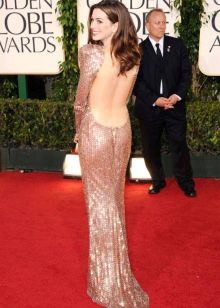 Платье в стиле диско с открытой спиной