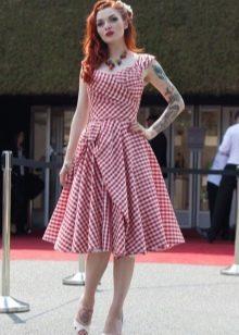 Платье в стиле рокабилли в клеточку