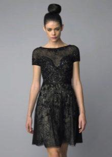 Черное кружевное платье в стиле Шанель