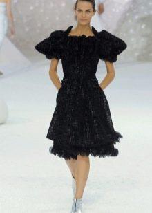 Короткое вечернее платье от Шанель с рукавами