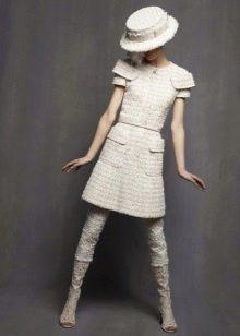 Белое платье из твида
