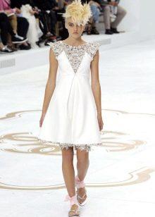 Короткое свадебное платье от Шанель