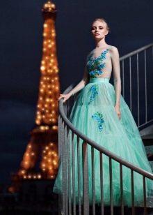 Мятное платье из органзы пышное
