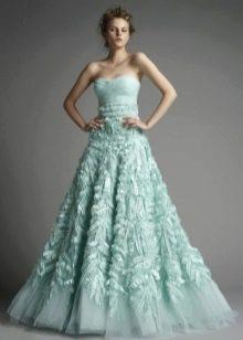мятное платье с многослойной юбкой