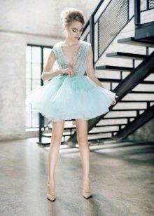 Пышное мятное платье