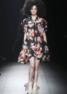Летнее широкое цветочное платье