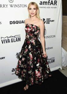 Шерон Стоун в цветочном платье