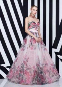 Пышное вечернее платье а-силуэта