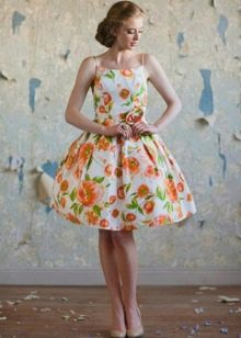 Платье с цветочным принтом в стиле ретро
