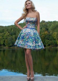 Платье с цветочным принтом пышное короткое