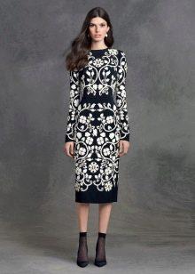Платье с цветочным принтом миди футляр
