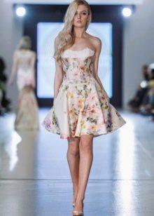 Платье с цветочным принтом короткое а-силуэта