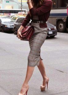 Платья в деловом стиле с кардиганом